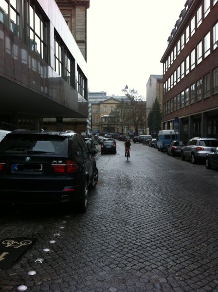 Dechanatstr. Parken auf Radweg Bremen Weihnachten