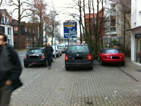 Parken auf Gehweg, Oldenburg