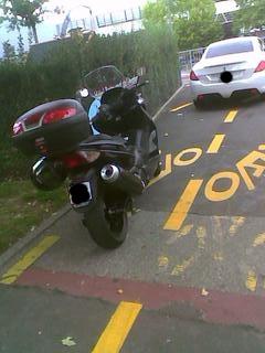 Roller auf Radweg Genf